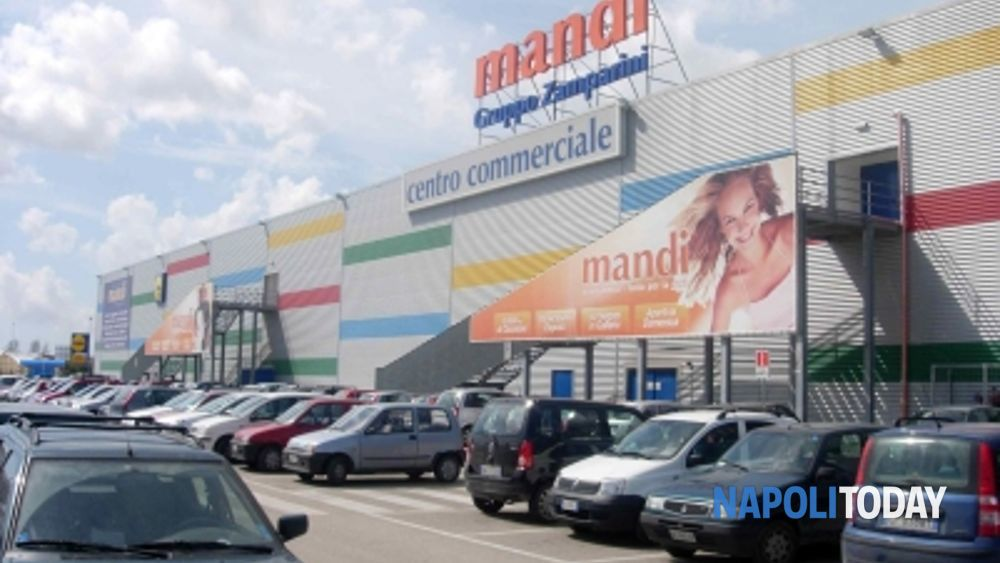 afragola centri commerciali in crisi chiuso mandi in