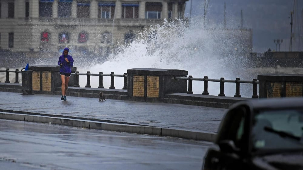 Piogge e temporali in arrivo su Napoli e Campania: allerta meteo ...