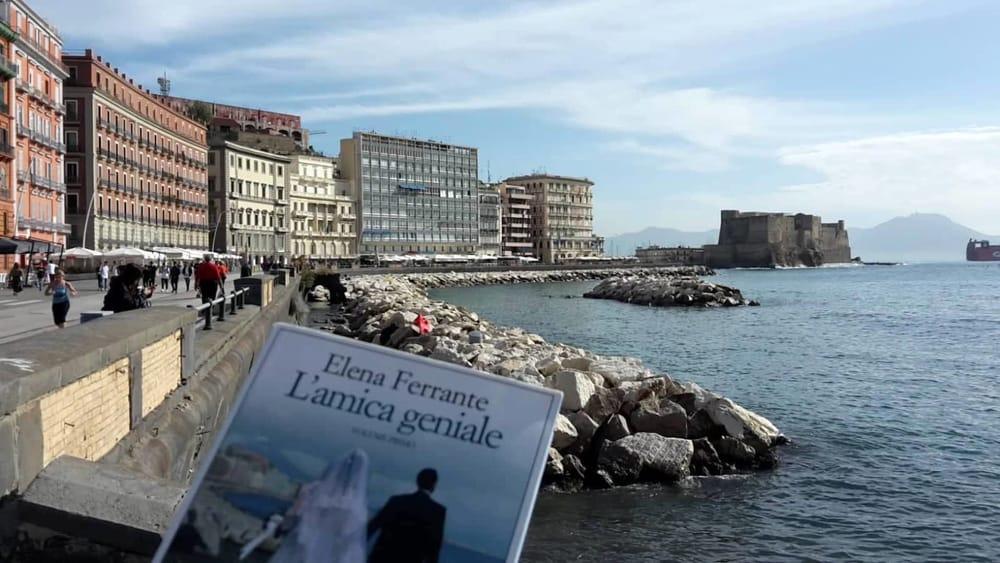 """""""Frammenti geniali"""", tour di Napoli ispirato al romanzo di Elena Ferrante"""