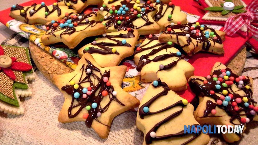 Biscotti Come Regalo Di Natale.Alberi E Stelle Di Frolla Con Cioccolato I Biscotti Regalo Di Natale