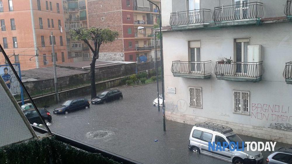 Nubifragio A Napoli Bagnoli Foto