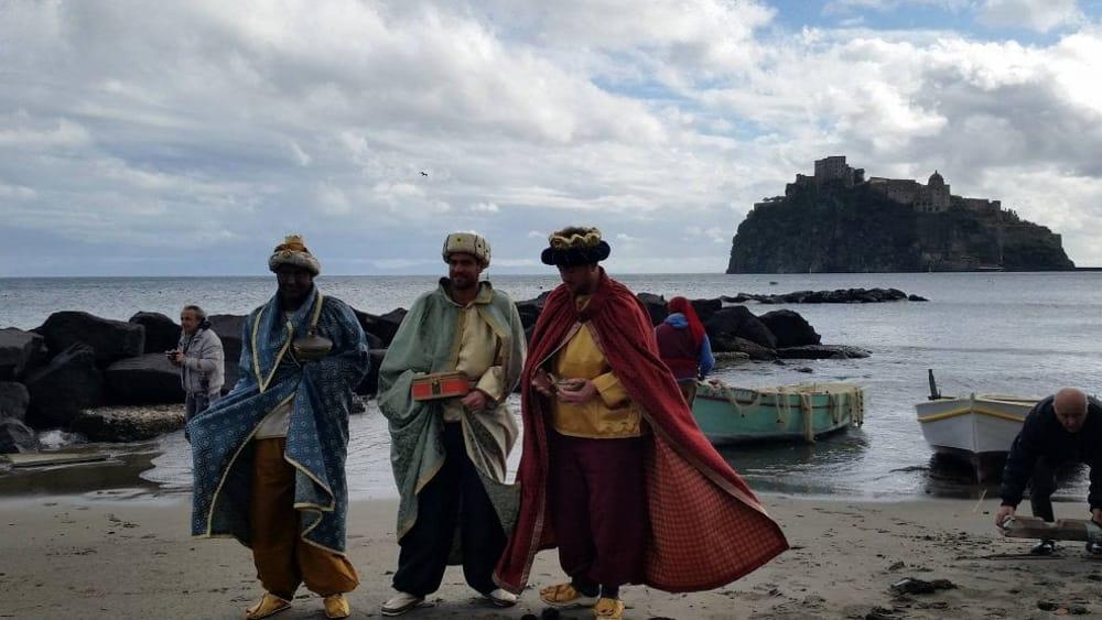 Epifania suggestiva a ischia i re magi arrivano dal mare - Cosa portano i re magi ...