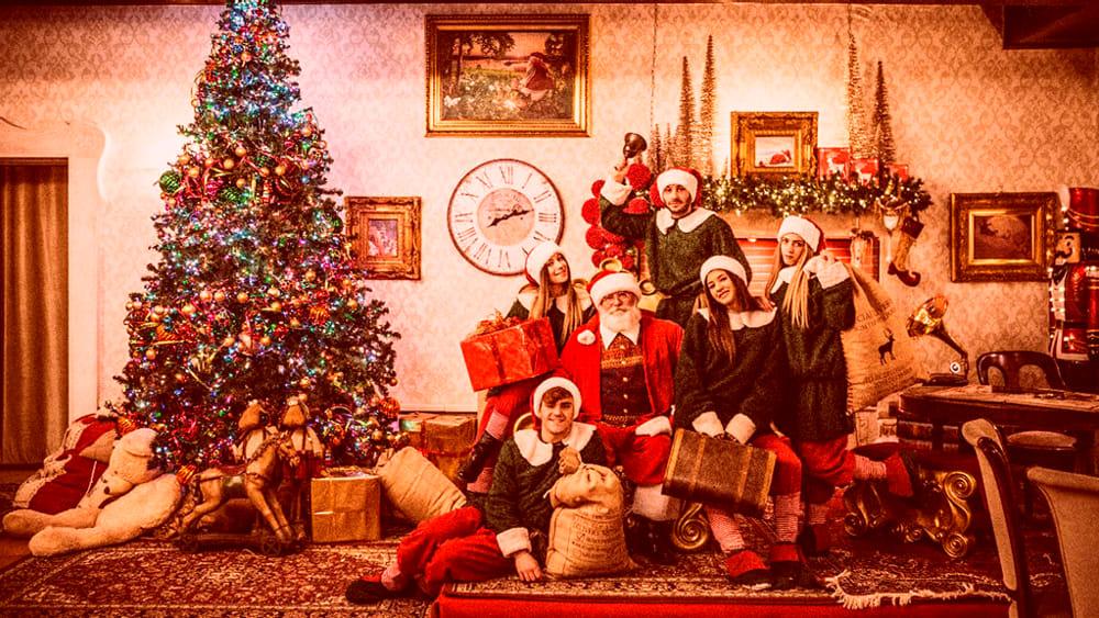 Del Natale.Torna La Valle Del Natale Mercatini Laboratori Spettacoli Elfi E Babbo Natale Eventi A Napoli